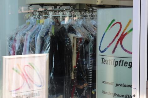 Textilpflege Reinigung Anzug reinigen Teppich Mangel Lederreinigung